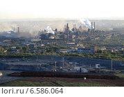 Купить «Магнитогорский металлургический комбинат, вид с магнитной горы», фото № 6586064, снято 14 июня 2013 г. (c) BoLinar / Фотобанк Лори