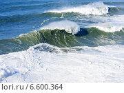 Купить «Красивые волны Атлантического океана», фото № 6600364, снято 29 декабря 2013 г. (c) Татьяна Кахилл / Фотобанк Лори