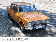 Купить «Легковой автомобиль Москвич-412», фото № 6602544, снято 3 июня 2014 г. (c) Родион Власов / Фотобанк Лори