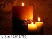 Свечи горящие вечером. Стоковое фото, фотограф ангелина кочугуева / Фотобанк Лори