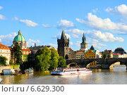 Чехия, Прага, вид на Карлов мост. Редакционное фото, фотограф Виноградова Вероника / Фотобанк Лори