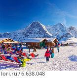 Горнолыжный курорт в швейцарских Альпах зимой (2013 год). Редакционное фото, фотограф Роман Бабакин / Фотобанк Лори