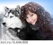 Девушка с собакой зимой. Стоковое фото, фотограф ElenArt / Фотобанк Лори