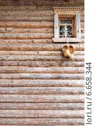 Окно в деревянном доме. Стоковое фото, фотограф Alexander Shadrin / Фотобанк Лори