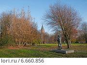 Купить «Калининград. Остров Кнайпхоф», эксклюзивное фото № 6660856, снято 4 ноября 2014 г. (c) Svet / Фотобанк Лори