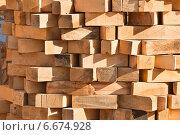 Купить «Деревянный брус», фото № 6674928, снято 18 мая 2014 г. (c) Алёшина Оксана / Фотобанк Лори