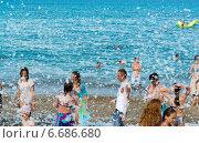 Купить «Пенная вечеринка на море. Кемер, Турция», фото № 6686680, снято 21 августа 2014 г. (c) Володина Ольга / Фотобанк Лори