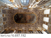 Купить «Санкт-Петербург. Эрмитаж. Расписанный потолок над Иорданской лестницей», эксклюзивное фото № 6697192, снято 23 июля 2014 г. (c) Литвяк Игорь / Фотобанк Лори