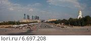 Купить «Москва. Панорама Поклонной горы», эксклюзивное фото № 6697208, снято 2 августа 2014 г. (c) Литвяк Игорь / Фотобанк Лори