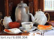 Купить «Накрытый стол с кофе и красной икрой в деревенском доме», фото № 6698304, снято 24 апреля 2014 г. (c) Марина Володько / Фотобанк Лори