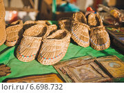 Лапти, старинная русская обувь. Стоковое фото, фотограф Алёна Замотаева / Фотобанк Лори