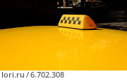 Крыша и фонарь жёлтого такси, эксклюзивное фото № 6702308, снято 26 августа 2014 г. (c) Давид Мзареулян / Фотобанк Лори