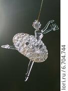 Стеклянная новогодняя игрушка балерина (2014 год). Редакционное фото, фотограф Анна Губина / Фотобанк Лори