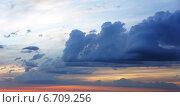 Облачное небо на закате. Стоковое фото, фотограф Юлия Куксова / Фотобанк Лори