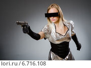 Купить «Tech woman in futuristic concept», фото № 6716108, снято 6 августа 2014 г. (c) Elnur / Фотобанк Лори