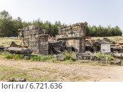 Купить «Турция, Иераполис. Руины склепа в античном некрополе, II в. до н.э.  - XV в. н. э», фото № 6721636, снято 27 июня 2014 г. (c) Rokhin Valery / Фотобанк Лори