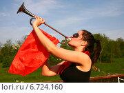 Горнистка (2007 год). Редакционное фото, фотограф михаил красильников / Фотобанк Лори