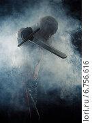 Купить «Брутальный мужчина с мечом в дыму», фото № 6756616, снято 3 ноября 2014 г. (c) Quadshock / Фотобанк Лори