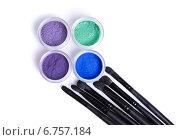 Купить «Набор ярких минеральных теней и кисти для макияжа», фото № 6757184, снято 19 ноября 2014 г. (c) Elisanth / Фотобанк Лори