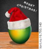 Яблоко в новогодней шапке. Стоковая иллюстрация, иллюстратор Светлана Шаповалова / Фотобанк Лори