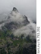 Купить «Скала в облаках», фото № 6793392, снято 6 августа 2014 г. (c) Михаил Зверев / Фотобанк Лори