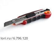 Купить «Строительный резак, канцелярский нож», фото № 6796120, снято 10 декабря 2014 г. (c) Алексей Маринченко / Фотобанк Лори