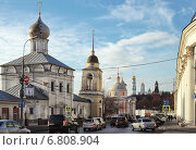 Вид на улицу Варварку (Москва), эксклюзивное фото № 6808904, снято 9 ноября 2013 г. (c) Александр Гаценко / Фотобанк Лори