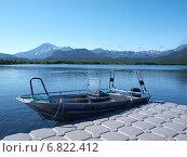 Лодка у п.Травяной (2014 год). Редакционное фото, фотограф Анна Никольская / Фотобанк Лори