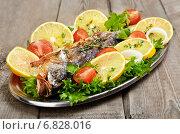 Купить «Жареная рыба с овощами», фото № 6828016, снято 5 декабря 2014 г. (c) Татьяна Волгутова / Фотобанк Лори