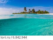 Купить «Мальдивы, необитаемый остров», фото № 6842944, снято 5 февраля 2013 г. (c) Сергей Дубров / Фотобанк Лори