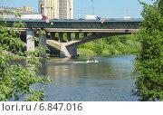 Купить «Спасские мосты через реку Москва на МКАД. Красногорск», эксклюзивное фото № 6847016, снято 21 мая 2014 г. (c) Алёшина Оксана / Фотобанк Лори