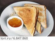 Купить «Тосты с сыром и джемом», эксклюзивное фото № 6847860, снято 5 января 2011 г. (c) Инна Козырина (Трепоухова) / Фотобанк Лори