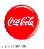 Купить «Металлическая крышка с бутылки Кока-Колы на белом фоне», фото № 6861084, снято 3 января 2015 г. (c) V.Ivantsov / Фотобанк Лори