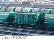 Купить «Железнодорожная сортировочная станция», фото № 6866404, снято 6 января 2015 г. (c) Сергей Куров / Фотобанк Лори