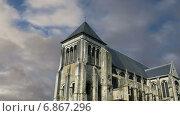 Купить «Средневековый район города Тур во Франции», видеоролик № 6867296, снято 5 января 2015 г. (c) Владимир Журавлев / Фотобанк Лори