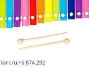 Купить «Детский разноцветный ксилофон на белом фоне», фото № 6874292, снято 16 ноября 2014 г. (c) Йомка / Фотобанк Лори