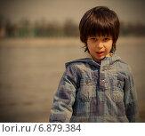 Купить «Портрет мальчика около озера, ретро-тонировка», фото № 6879384, снято 25 апреля 2012 г. (c) Astroid / Фотобанк Лори