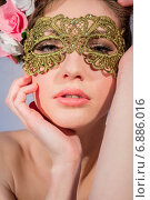 Купить «Портрет соблазнительной девушки в маске», фото № 6886016, снято 4 марта 2014 г. (c) Наталья Степченкова / Фотобанк Лори