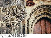 Купить «Барельеф на фасаде церкви Девы Марии перед Тыном в Праге, Чешская Республика», фото № 6888288, снято 8 октября 2014 г. (c) g.bruev / Фотобанк Лори