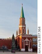 Купить «Город Москва.Никольская башня Московского Кремля», эксклюзивное фото № 6897964, снято 29 декабря 2014 г. (c) Игорь Низов / Фотобанк Лори