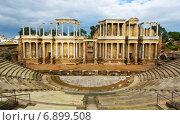 Купить «ruin of Antique Roman Theatre», фото № 6899508, снято 19 ноября 2014 г. (c) Яков Филимонов / Фотобанк Лори
