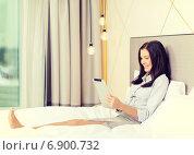Купить «happy businesswoman with tablet pc in hotel room», фото № 6900732, снято 23 ноября 2013 г. (c) Syda Productions / Фотобанк Лори
