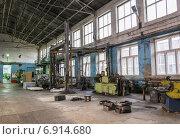 Купить «Завод. Цех.  Производство», фото № 6914680, снято 28 мая 2018 г. (c) Лошкарев Антон / Фотобанк Лори