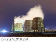 Купить «НПЗ промышленное предприятие», фото № 6918784, снято 28 июля 2014 г. (c) Эльвира Рахманова / Фотобанк Лори