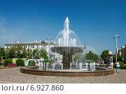 Купить «Кемерово, фонтан на площади у Драматического театра», фото № 6927860, снято 20 июня 2010 г. (c) Ольга Остроухова / Фотобанк Лори