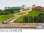 Купить «Вид на Нижний Новгород, кремль и Чкаловскую лестницу с Волги», фото № 6935276, снято 20 июля 2019 г. (c) Igor Lijashkov / Фотобанк Лори