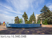 Купить «Фонтан в Азове», фото № 6940048, снято 13 июня 2014 г. (c) Борис Панасюк / Фотобанк Лори