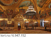 Купить «Внутреннее убранство Грановитой палаты в Москве», эксклюзивное фото № 6947152, снято 29 января 2015 г. (c) Алексей Гусев / Фотобанк Лори