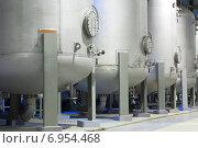 Баки химических реагентов. Стоковое фото, фотограф yeti / Фотобанк Лори
