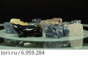 Купить «Фигурки лягушек из камня», видеоролик № 6959284, снято 1 февраля 2015 г. (c) verbaska / Фотобанк Лори